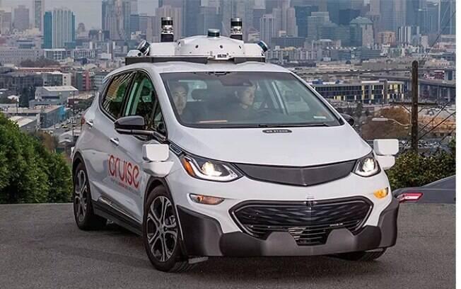 Chevrolet Bolt autônomo sendo testado nas ruas de São Francisco (EUA) antes de começar a estar disponível ao público
