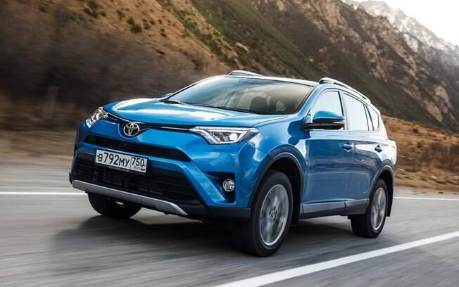 Toyota RAV4 da nova geração vai ter versão híbrida no Brasil pela primeira vez na história da marca no País