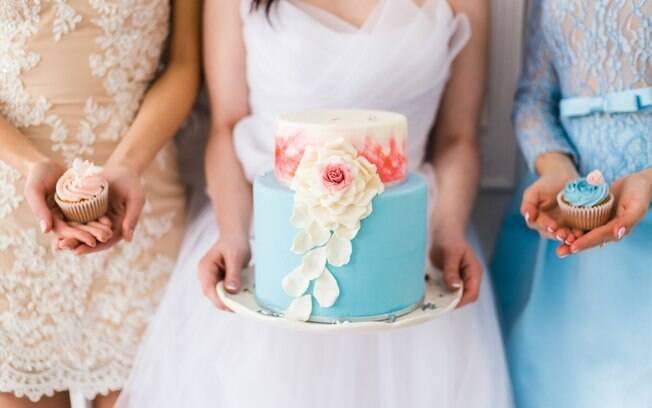 Segundo relato da noiva, ela ficou satisfeita com os resultados das fotos de casamento, mas se sente 'ligeiramente culpada'