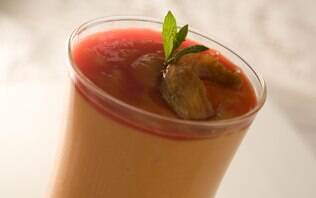 Milkshake de mamão com cassis