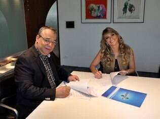 Fani Pacheco assina contrato com a Rede TV!
