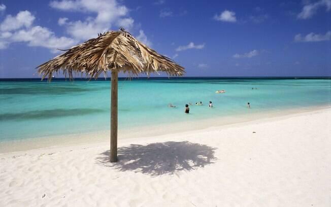 Quem busca o azul-turquesa do Mar do Caribe não se decepciona em Aruba