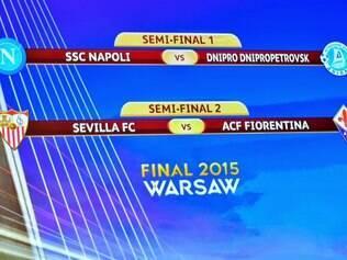 Napoli e Sevill vão definir a classificação jogando em casa