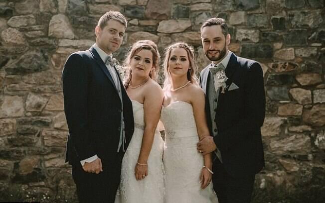 Gêmeas se casam no mesmo dia e usam vestidos parecidos para manter e dizem que tudo foi perfeito