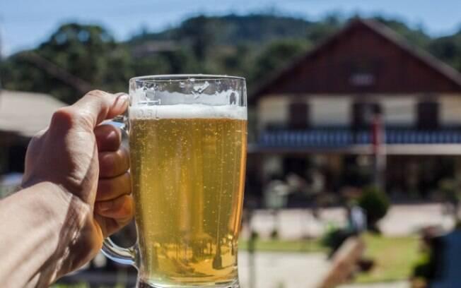 Não importa qual o nível do consumo, o álcool pode fazer com que as chances de desenvolver câncer sejam maiores