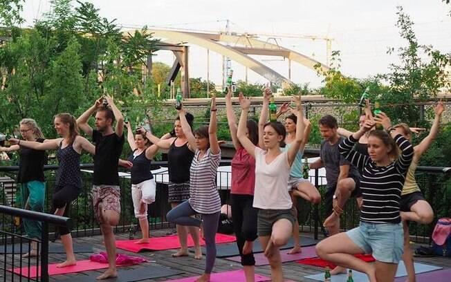 Encontros dos adeptos da chamada Beer Yoga já aconteceram nos Estados Unidos, na Inglaterra e Austrália