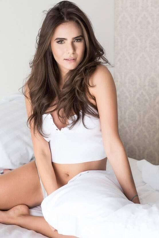 Flavia Marins 2 - por Michelle Moll