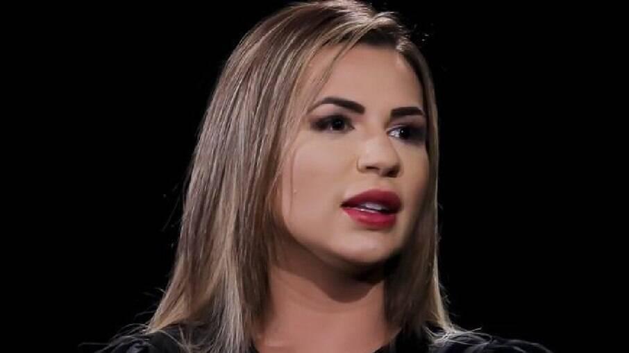 Deolane Bezerra passa por harmonização facial