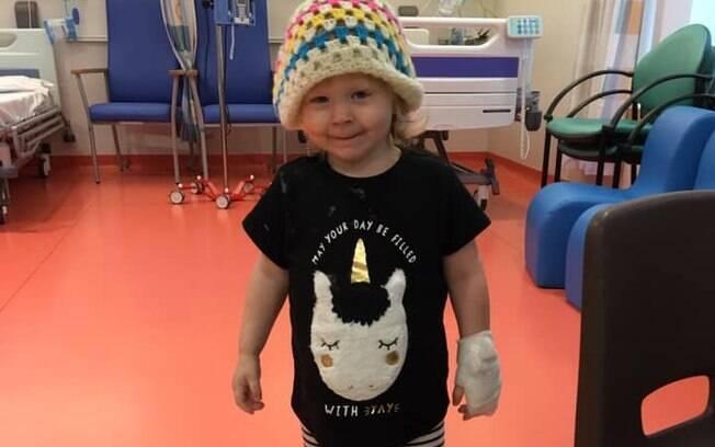Esmée Todd, de 2 anos, teve um ovário congelado para evitar a infertilidade