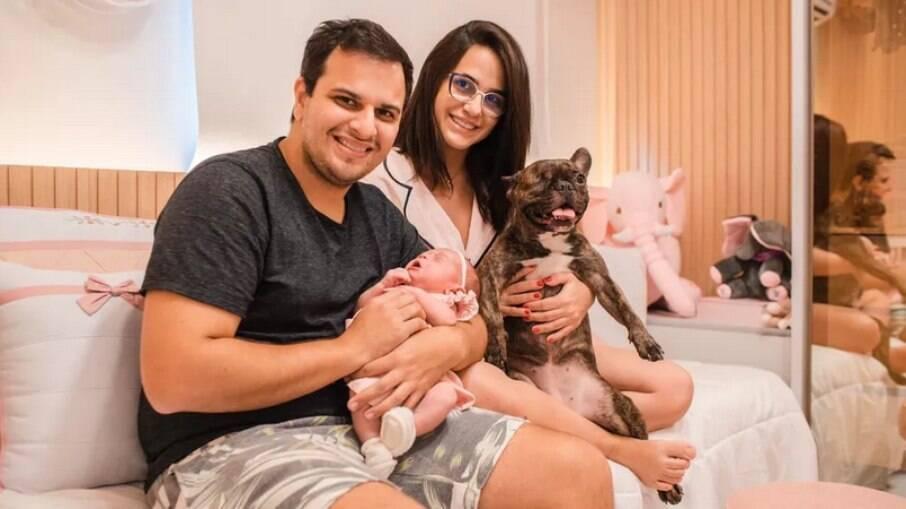 Bebê nasce com anticorpos contra Covid-19 após mãe ser vacinada na gestação
