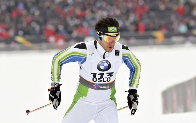 Leandro já praticou também o biatlo, mas hoje  dedica-se apenas ao esqui cross-country,  modalidade na qual tem índice para 2014