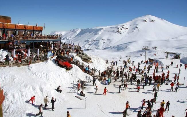 Principalmente no começo e no final da alta temporada, as estações de esqui oferecem promoções para os turistas