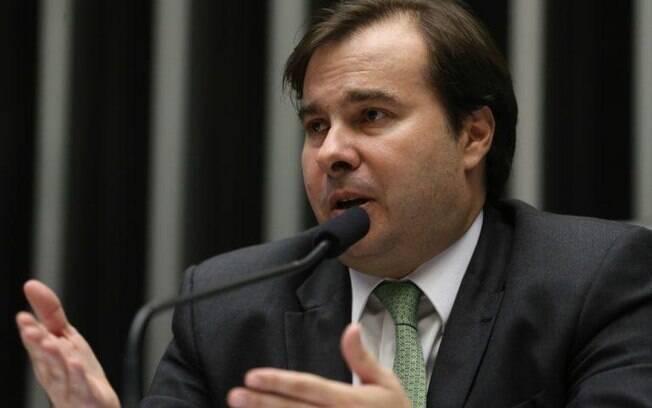 Segundo presidente da Câmara, Rodrigo Maia, 'se todos os bancos juntos formassem um fundo, isso já sinalizaria à sociedade um bom apoio' contra a crise da Covid-19