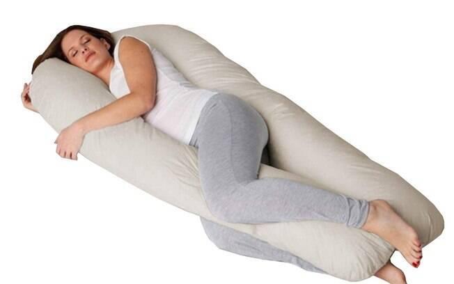 Travesseiro de corpo para gestantes pode ser adquirido pela internet