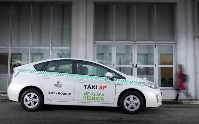 Algumas cooperativas de São Paulo e Rio de Janeiro receberam unidades do Toyota Prius em suas frotas de carros em 2013