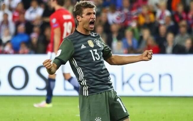 Segundo jornal, o atacante Thomas Muller pode deixar o Bayern após proposta milionária do futebol chinês;