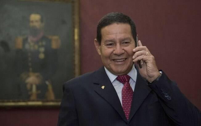 Mourão deve comandar ação militar na Amazônia após consolidação da vitória de Joe Biden
