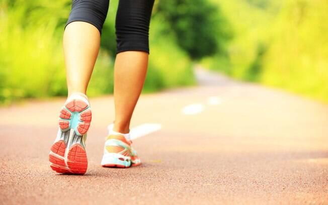 Quer saber como perder peso andando? Confira as dicas de Hannah Davis, personal trainer do Tennessee, nos EUA