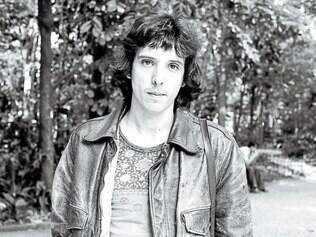 """História. O músico Arnaldo Baptista em foto de 1978, quatro anos após o lançamento do desacreditado """"Loki"""", colhendo os frutos de um disco revolucionário"""