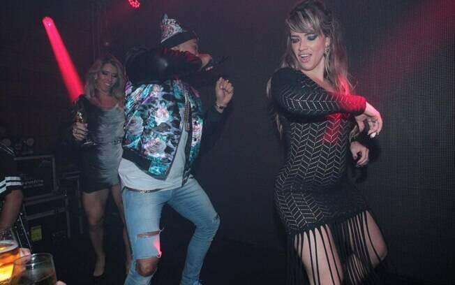 Fani dança ao lado de Naldo no aniversário de Léo Dias
