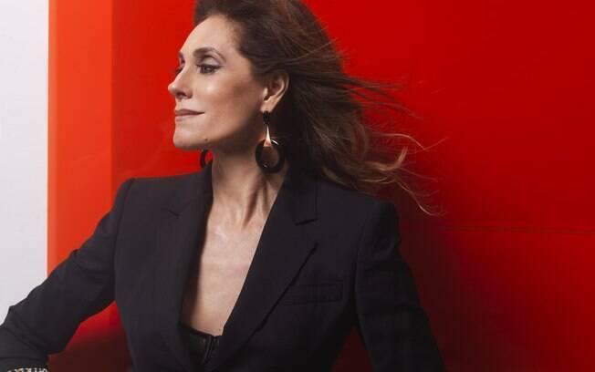 Christiane Torloni posou para a capa de janeiro da revista