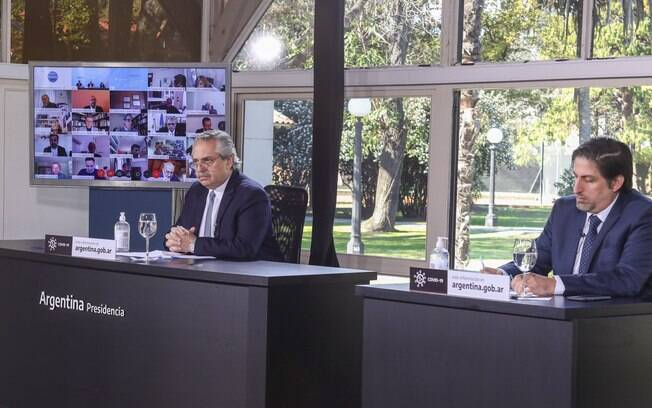 Presidente Alberto Fernández esteve reunido com equipe técnica nesta quarta-feira