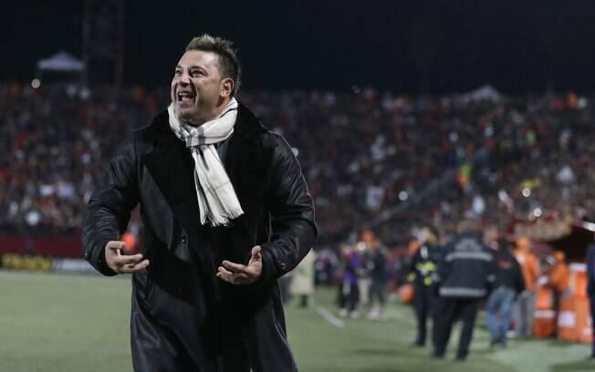 """Antonio """"El Turco"""" Mohamed comemora o gol da vitória do Tijuana"""