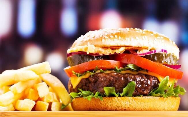 comer menos calorias em fast-foods