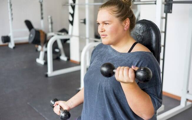Descanso do músculo também é importante para que ele cresça, então não é necessário ficar horas na academia