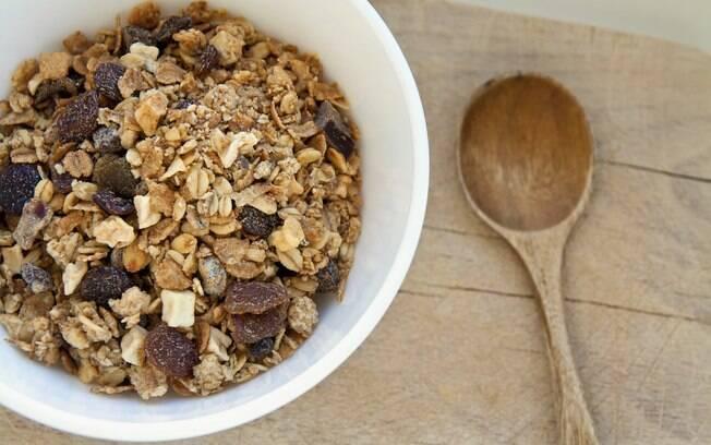 Granola pode fazer parte da dieta e ajudar a emagrecer