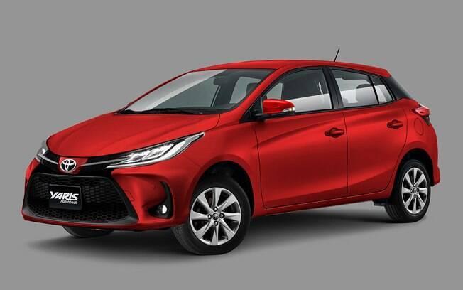 Toyota Yaris mudará pouco na versão reestilizada e apenas na frente, mais arrojada e esportiva que a atual