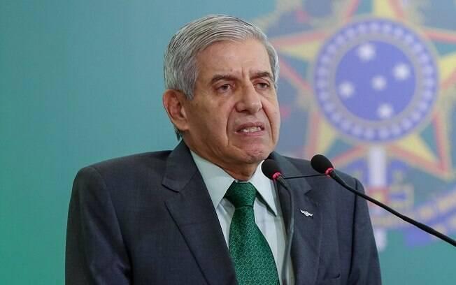 De acordo com o ministro do Gabinete de Segurança Institucional, ONGs, países e personalidades tentam derrubar o presidente Bolsonaro