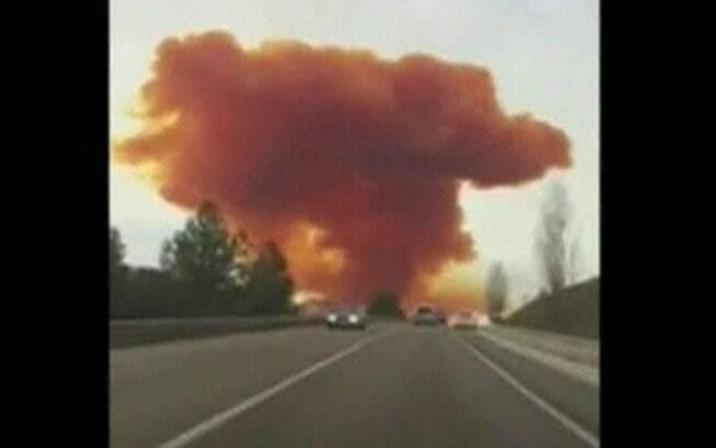 Incidente foi causado por explosão em indústria química