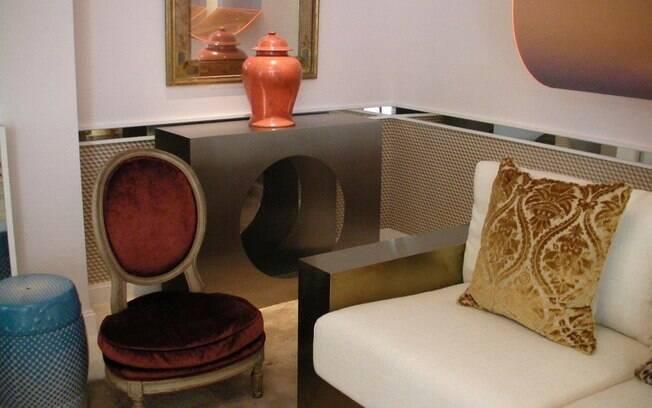 O arquiteto Fabricio Rollo trouxe o tom do momento de forma concisa para o ambiente com estética dos anos 60
