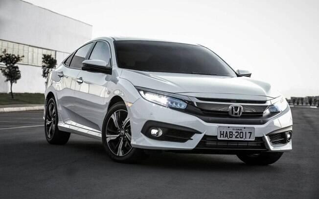 """Honda Civic: o rival do Corolla mudou totalmente sua """"personalidade"""" na atual geração e com isso pode ser chamado de carro contemporâneo, pois se assemelhou a outros projetos descartáveis"""