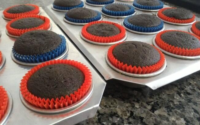 Cupcakes saem quentinhos do forno!