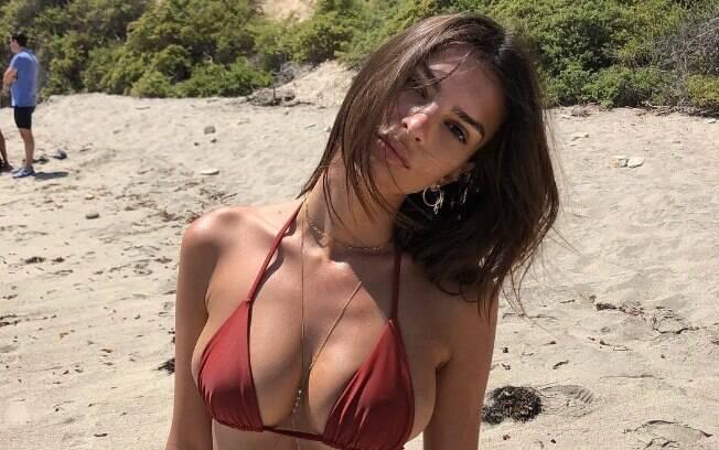 Emily Ratajkowski é conhecida por participar da série