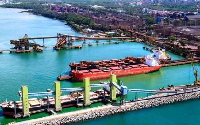 Pate do porto Tubarão, no Espírito Santo, precisou ser interditado por despejos de rejeitos da mineradora Vale