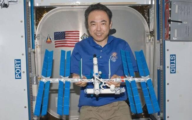 Brinquedos parecem populares entre os astronautas da Nasa... Peças de Lego já foram parar na ISS