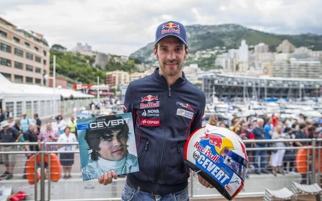 Jean-Eric Vergne, outro da Toro Rosso, faz  homenagem a Francois Cevert, piloto francês morto  há 40 anos
