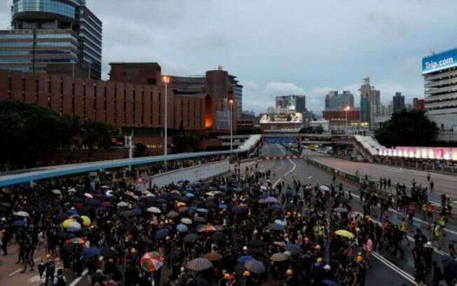 Os protestos em Hong Kong ganharam o apoio de funcionários públicos e famílias