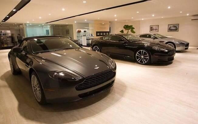 A Aston Martin encerra sua operação no Brasil, após um 2016 extremamente ruim: Vendeu apenas duas unidades