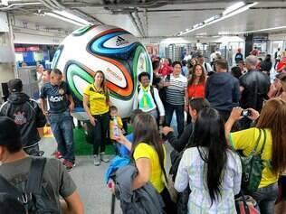 Torcedores de vários países já estão em São Paulo aguardando a abertura da Copa