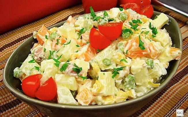 Salada de maionese com queijo