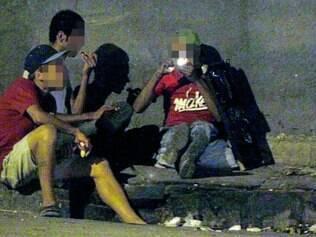 Consumo. Reportagem flagra o uso de crack na Pedreira Prado Lopes, na região Noroeste da capital