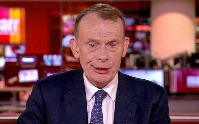 Apresentador da BBC: 'Errei ao me achar invencível com duas doses de vacina'