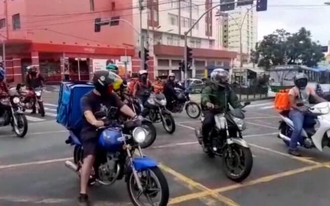 Motoboys protestam em Campinas contra alta do combustível e fase vermelha