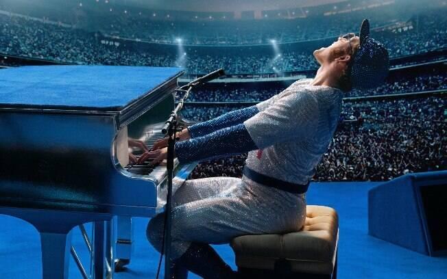 Ator Taron Egerton foi o escolhido para viver Elton John na cinebiografia do cantor,