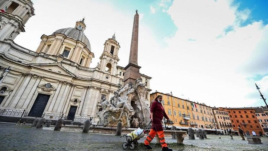 Itália tem menor número de casos de Covid-19 em quase 2 meses