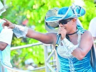 Sucesso. Márcio Victor, vocalista da banda Psirico, comandou o hit do último Carnaval: o Lepo Lepo